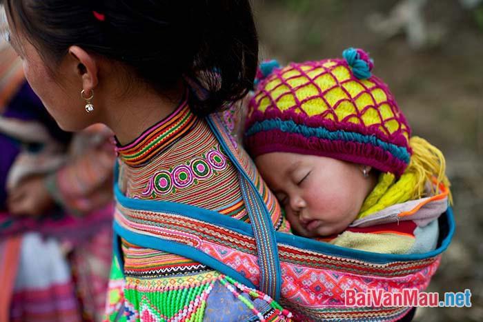 Soạn bài Khúc hát ru những em bé lớn trên lưng mẹ