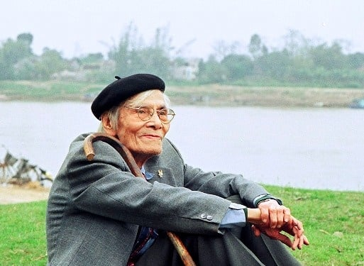 Bình giảng đoạn đầu bài thơ Bên kia sông Đuống của Hoàng Cầm